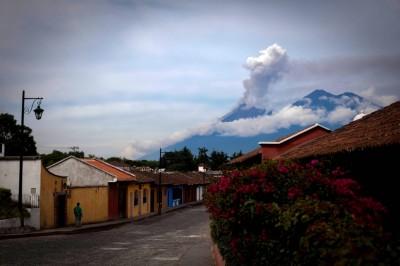 El volcán de Fuego de Guatemala registra seis explosiones por hora
