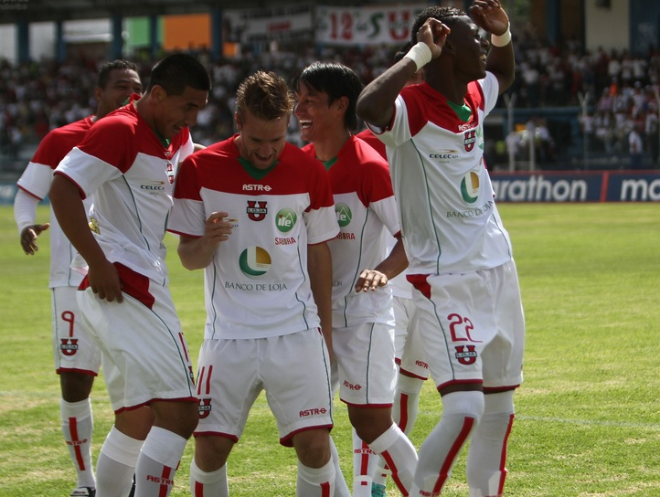 LDU Loja gana de local 1 - 0 a la U Católica