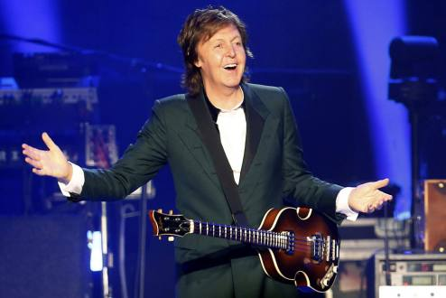 Paul McCartney encanta a fans en Santiago de Chile
