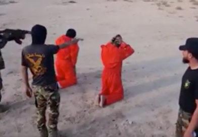 El ejército libio ejecutó a terroristas del Estado Islámico con el mismo método empleado por los yihadistas