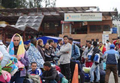 Preocupados ante medida, venezolanos apresuraron su paso