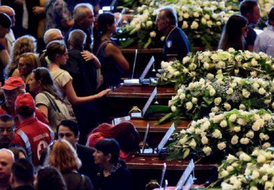 Se realizó funeral de víctimas del puente derrumbado en Génova