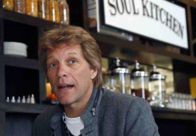 Bon Jovi regala comida a empleados federales