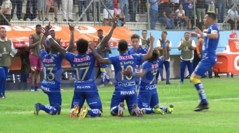 Delfín golea a Nacional en Copa Libertadores