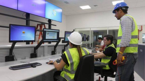 Gobierno alista concesión para empresas eléctricas y de telecomunicaciones