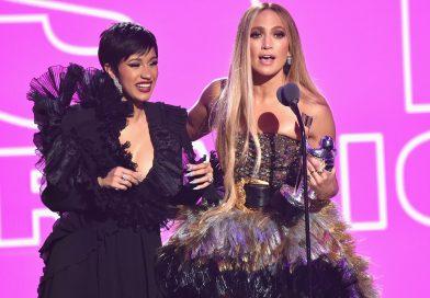 """Cardi B  junto a Jennifer Lopez en la película """"Hustlers"""""""