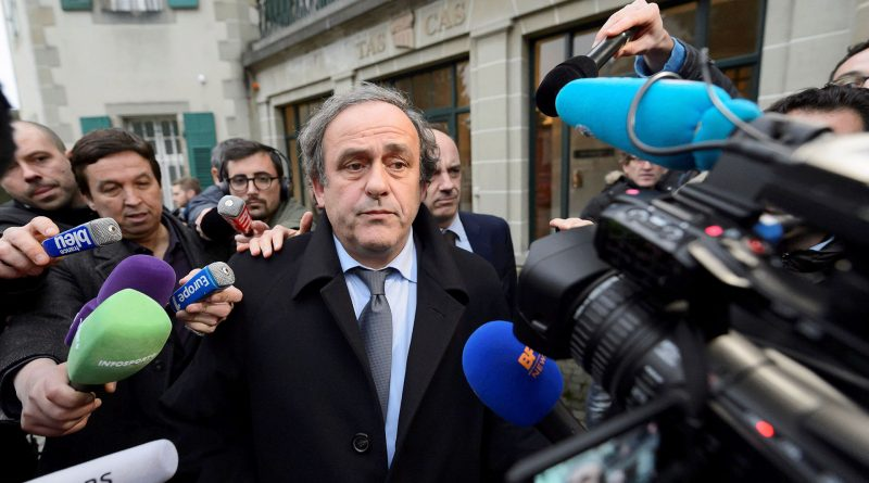 Michel Platini fue detenido en París
