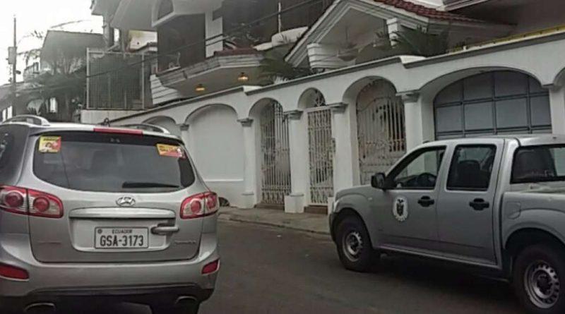 Fiscalia detiene a expresidente Abdala Bucaram