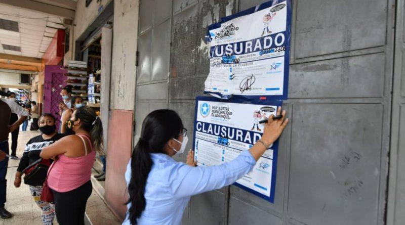 Municipio de Guayaquil verifica locales clausurados de la Bahía