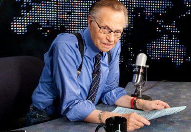 Murió Larry King presentador de radio y televisión de EEUU
