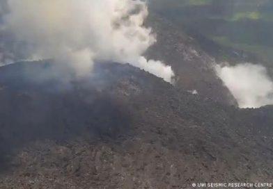 Erupciono volcan Soufriere en el caribe