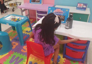 El estudio en casa mueve la producción de sillas, mesas y escritorios