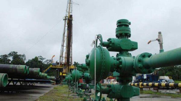 Producción petrolera cae 6% en un año