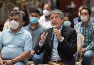 Guillermo Lasso suspendio incrementos mensuales de combustibles